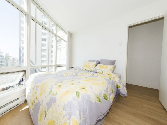 rent a two bedroom in Downtown Vancouver